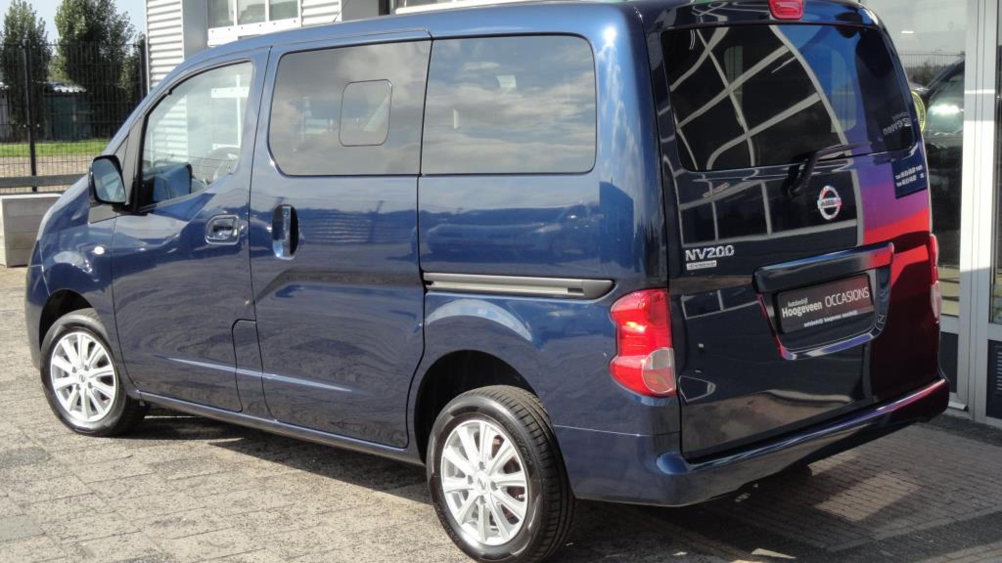 Nissan-NV 200 Evalia-2